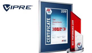 El instituto líder en pruebas de seguridad informática otorga cada año el AV-TEST Award a los mejores productos en la respectiva categoría. Pero para ser honrado con uno de estos premios, reconocidos internacionalmente, los productos de seguridad TI tienen que obtener la máxima puntuación en extensas pruebas realizadas durante un periodo de todo un año. Justo eso es lo que ha conseguido VIPRE con su producto Advanced Security. El premio AV-TEST Award 2019 en la categoría rendimiento para productos destinados a usuarios privados va a parar a VIPRE.